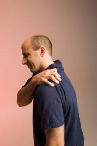 تمرینات ورزشی مفید برای شانه درد ضرورت مشورت با پزشک قبل از انجام