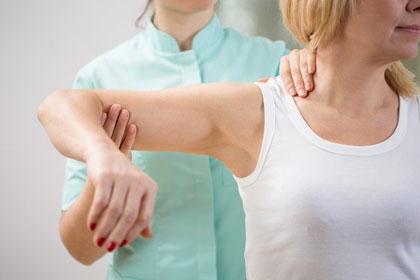 قبل-و-بعد-از-درمان-فیزیکی-شکستگی-مفصل-شانه